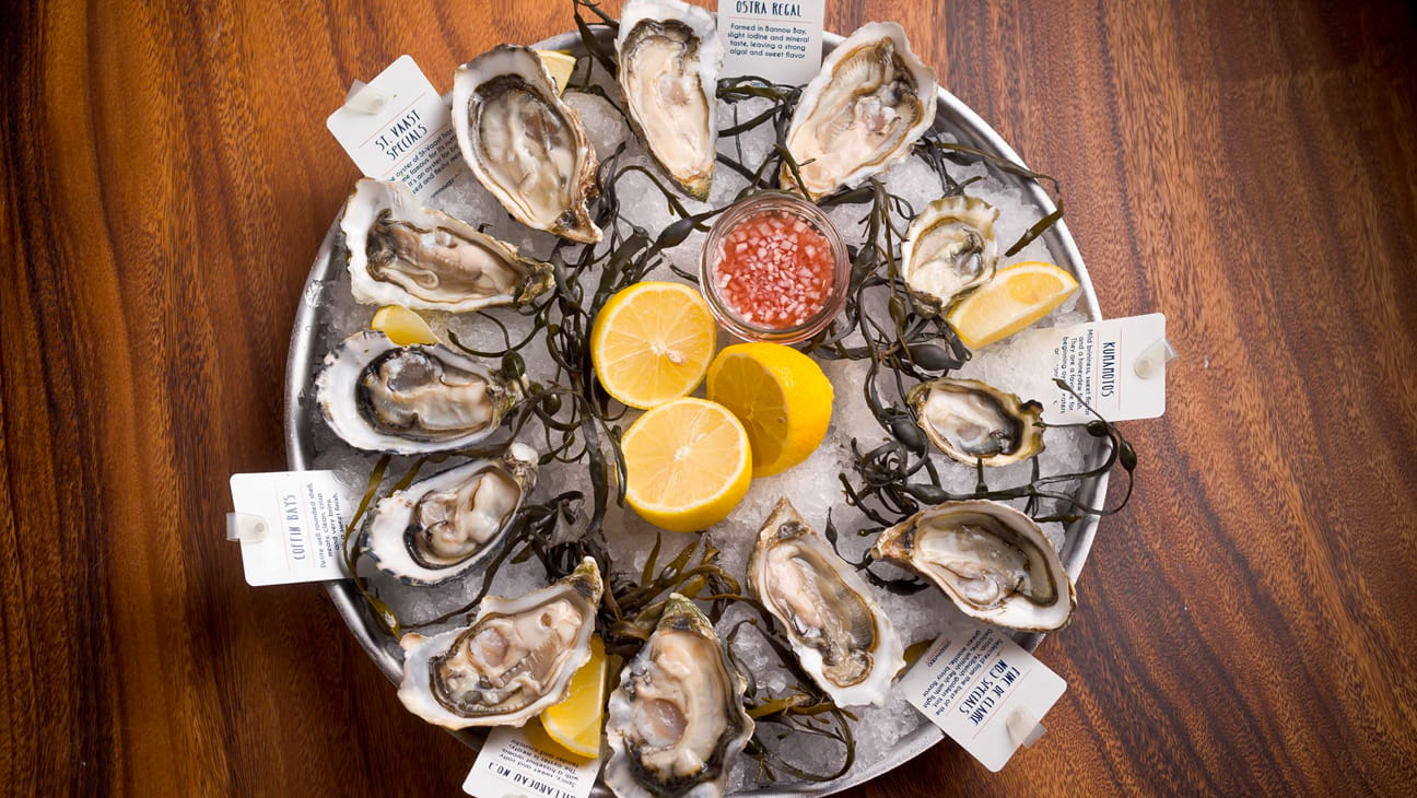 plate of oysters and lemon